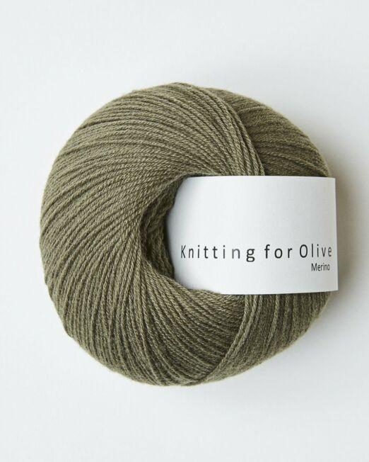 Knitting_for_olive_Merino_støvet _olive