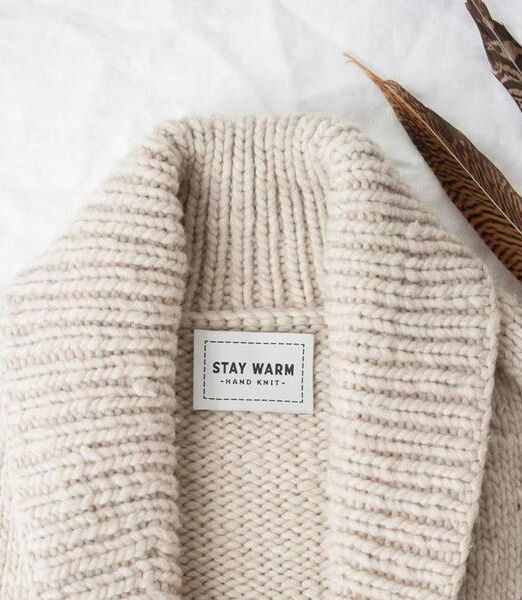 twig-and-horn-stay-warm-woven-lofotstrikk