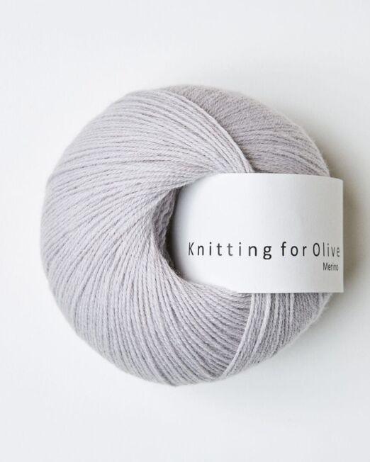 Knitting_for_olive_Merino_musegrå
