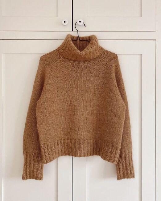 caramel_sweater_petiteknit_lofotstrikk
