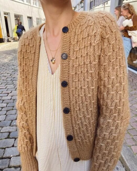 jenny_jacket_petiteknit_lofotstrikk