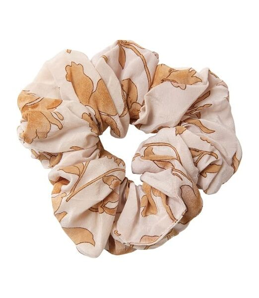 relove_and_roses_lofotstrikk_scrunchie