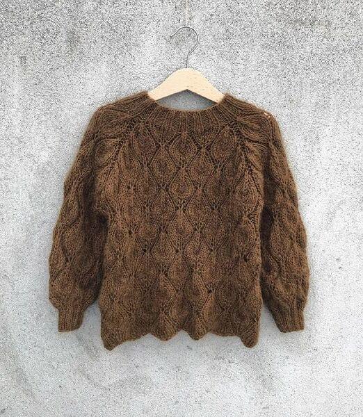 Olivesweater2_900x